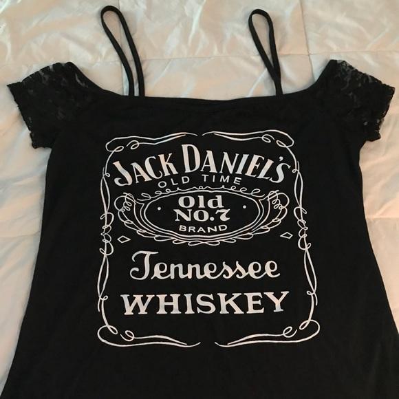 dcc11115 Off shoulder Jack Daniel's T-Shirt. M_5b3c1f89819e9088fae3a4e3